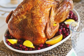 Thanksgiving turkey tips from a Beautiful Mess Easy Thanksgiving Food and Decor Ideas for a Stress-Free Holiday Easy Thanksgiving Food and Decor Ideas for a Stress-Free Holiday Thanksgiving turkey tips from a Beautiful Mess