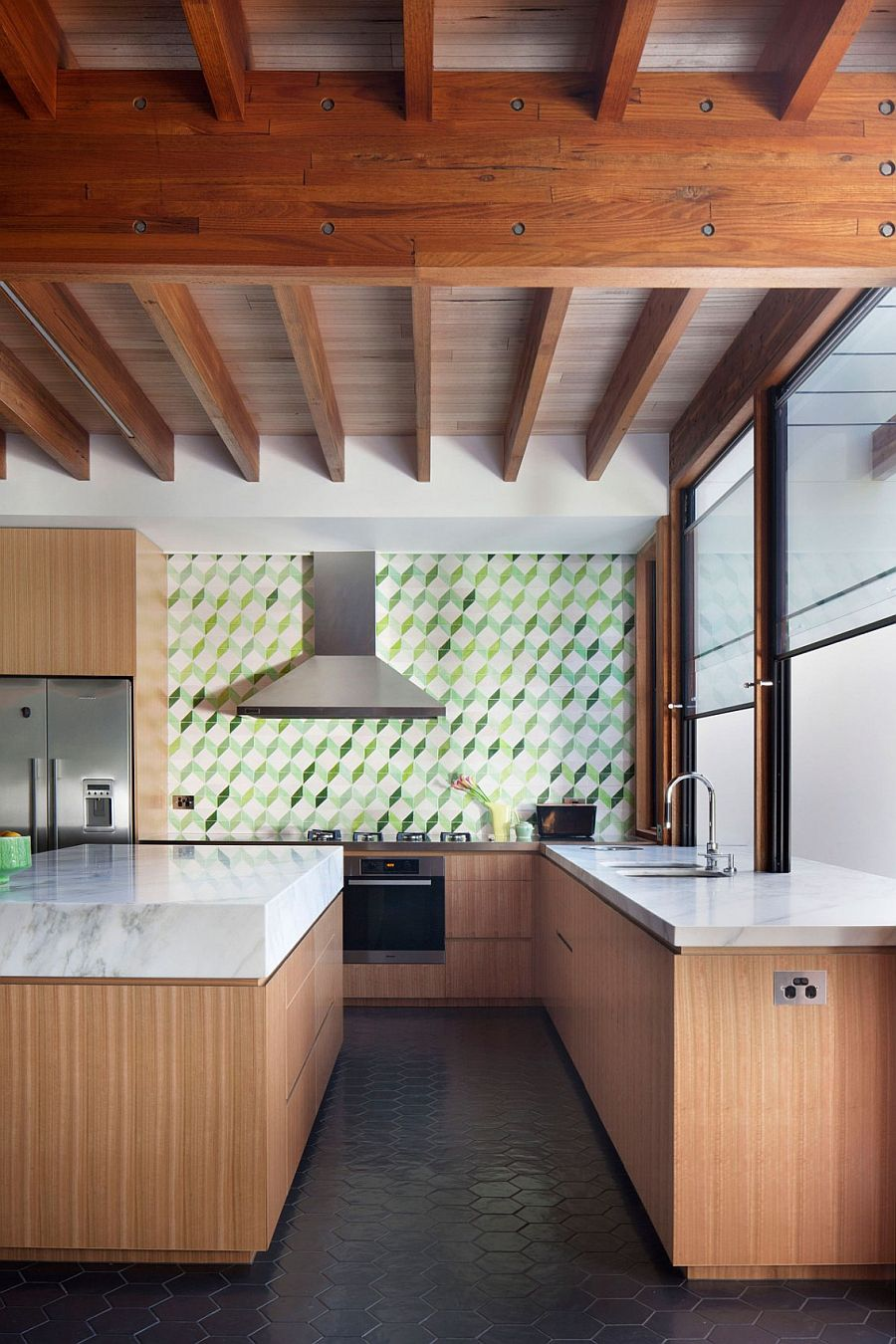 Tiled backsplash in the kitchen brings 3D Pattern to the interior