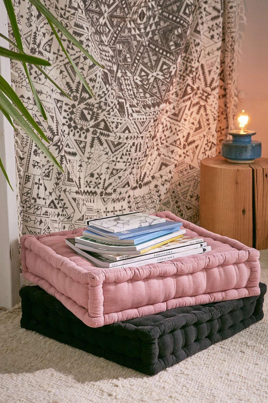 How to add the color pink to a modern room - Cushion flooring for living rooms ...