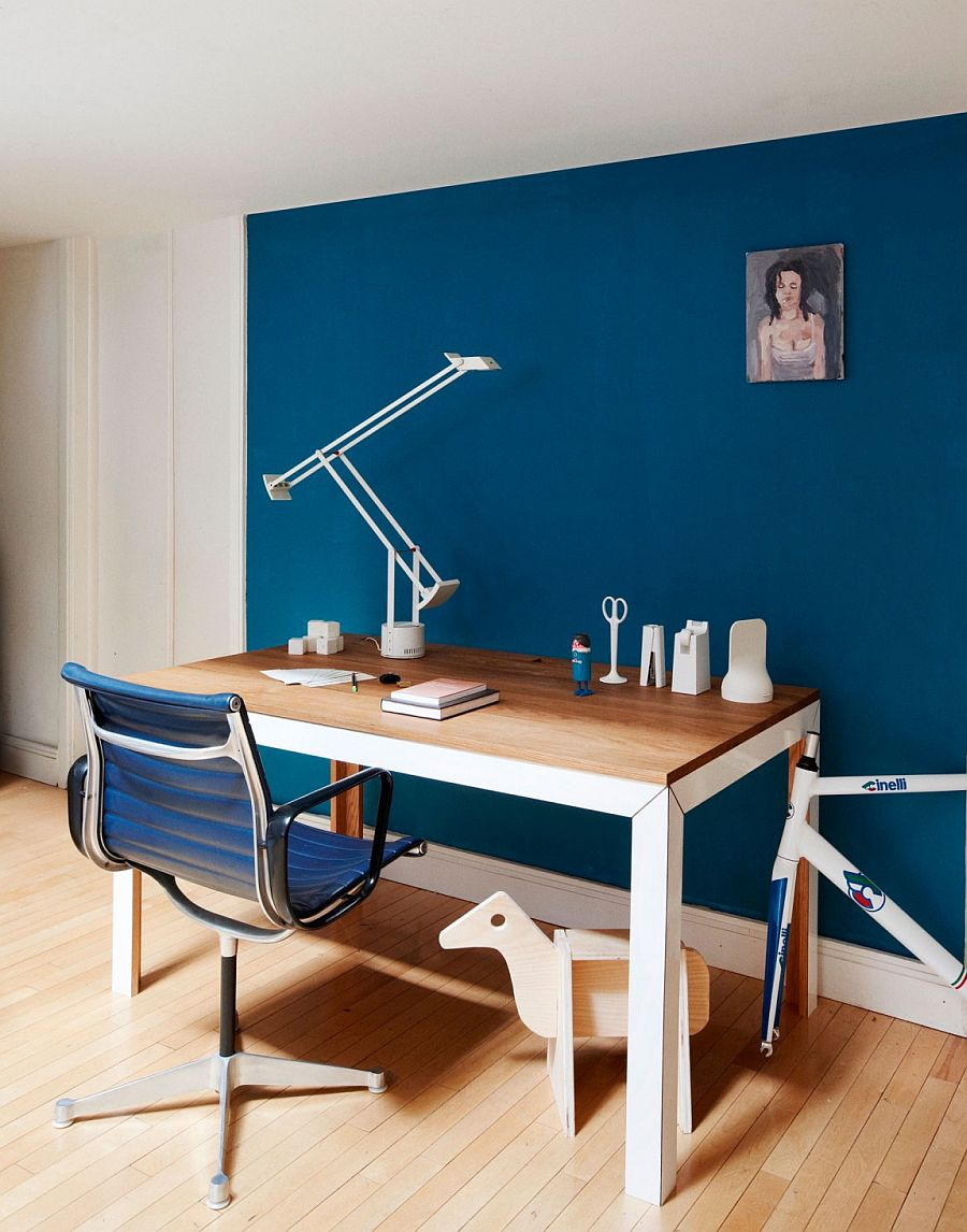 Unassuming and minimal home workspace design
