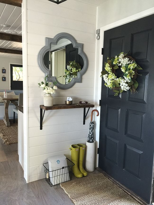 Entryways With Captivating Mirrors - Entryway decorating ideas for small spaces