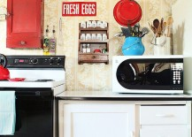 Wallpaper-kitchen-decor-and-accessories-bring-back-the-best-of-30s-217x155