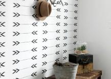 Arrow pattern on an entryway wall