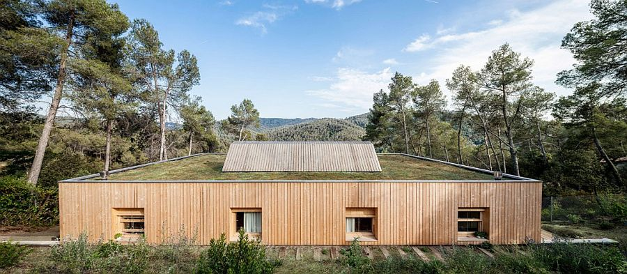 Casa LLP on Serra de Collserola in Spain
