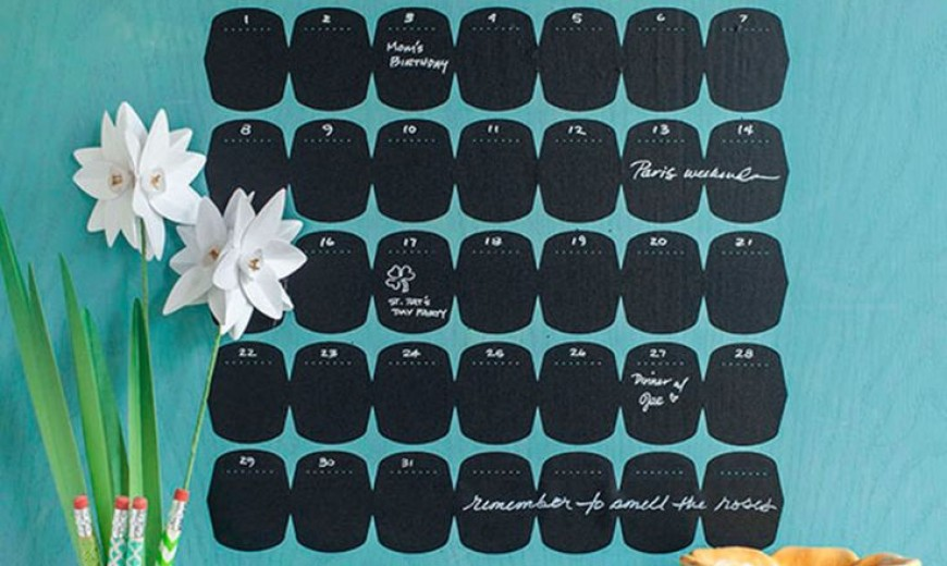 14 Fun Chalkboard Calendar Ideas to Kick Off the New Year