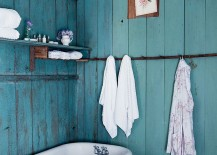 Color of the backdrop turns the small bathroom into a more spaciou setting visually