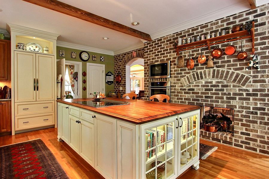 Color Of The Bricks Gives The Kitchen A Beautiful Traditional Style
