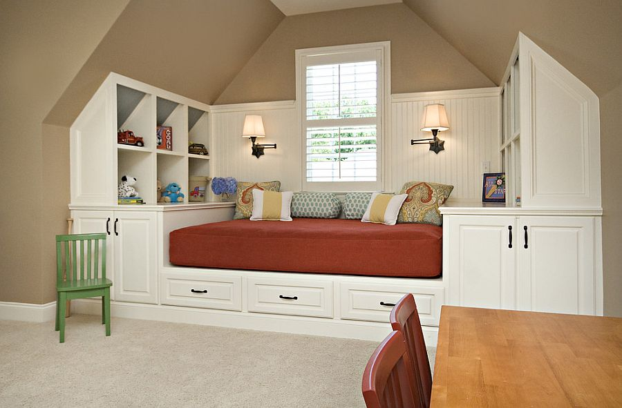Custom daybed also brings along with it ample storage space [Design: Driggs Designs]