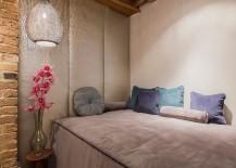 Custom-decor-inside-the-elegant-London-warehouse-apartment-217x155