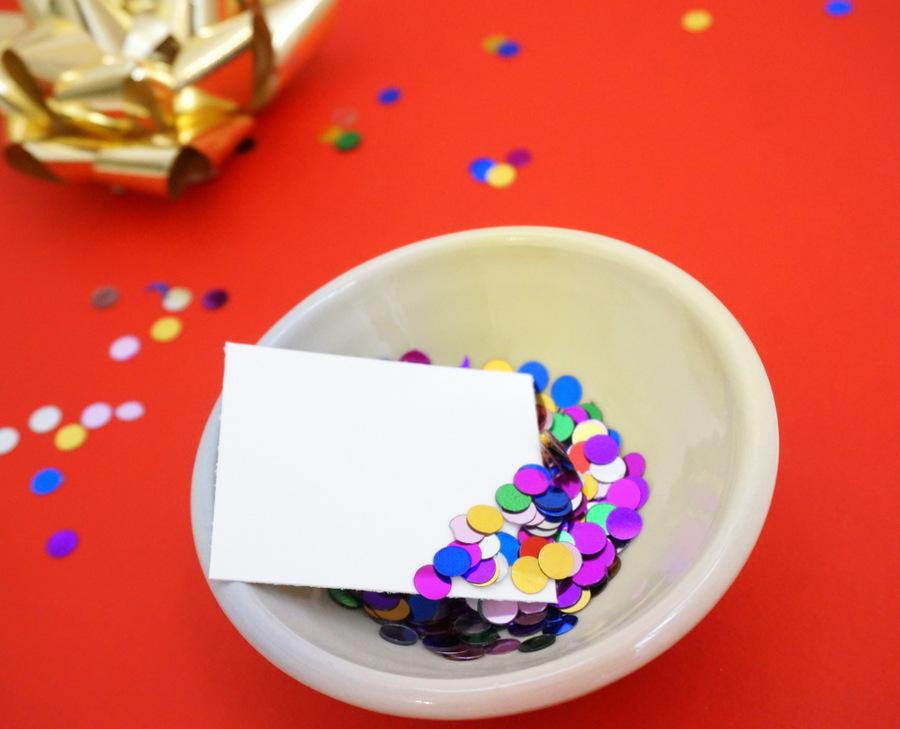 DIY confetti gift tag project