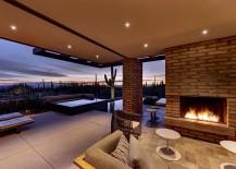 Design of the desert house brings the outdoors inside