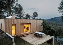 Entrance-of-Casa-LLP-conceals-the-breathtaking-views-that-it-holds-217x155