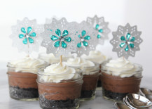 Frozen-birthday-party-cupcake-toppers-from-Girl