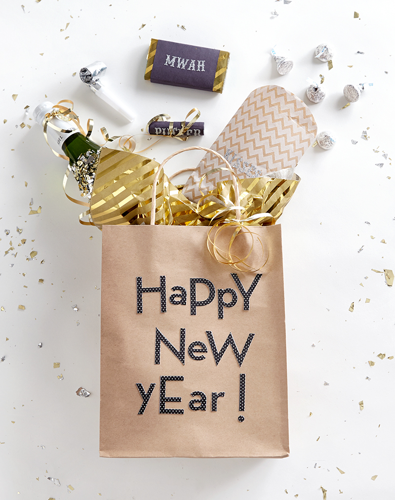 7 New Year S Eve Party Favor Ideas