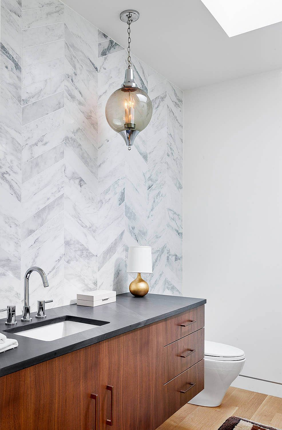Marble-clad contemporary bathroom in white