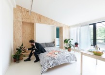 Minimal use of color and smart deisgn solutions define the Baitpin Apartment