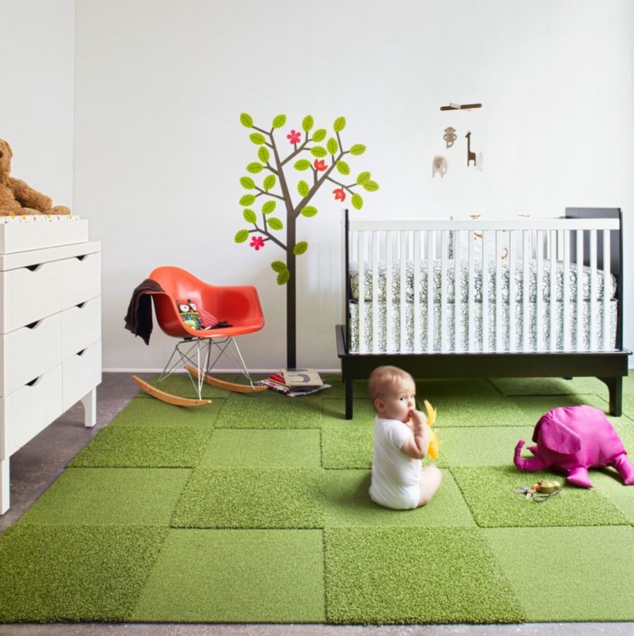 Monochromatic green Flor rug for the nursery