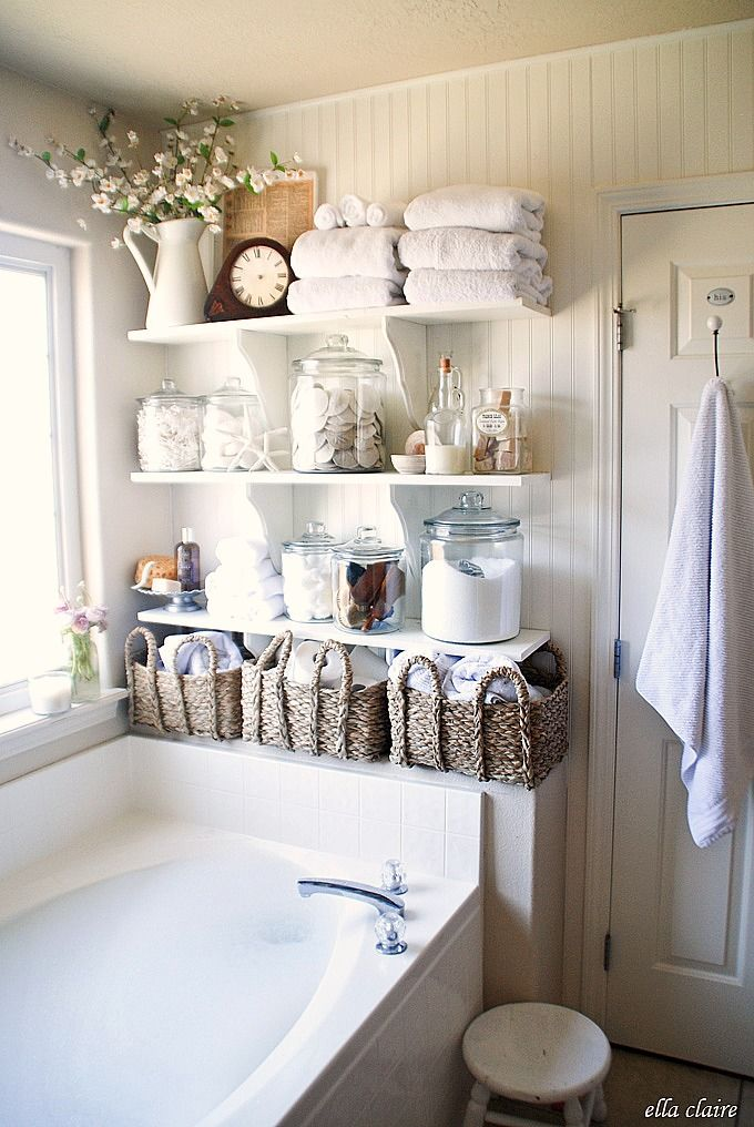 Open shelves next to the bathtub