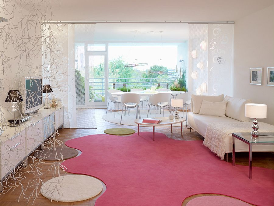 20 classy and cheerful pink living rooms for Quirky apartment design