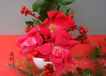 Red-and-pink-holiday-centerpiece-217x155