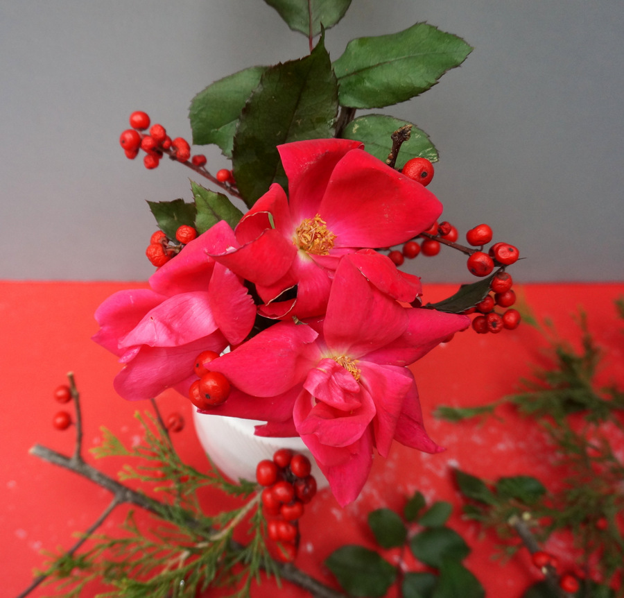 Red and pink holiday centerpiece