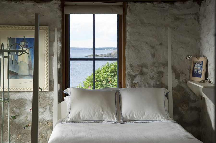 Rocks found locally replicate the aura of the rugged Maine coastline inside the bedroom [From: Knickerbocker Group]