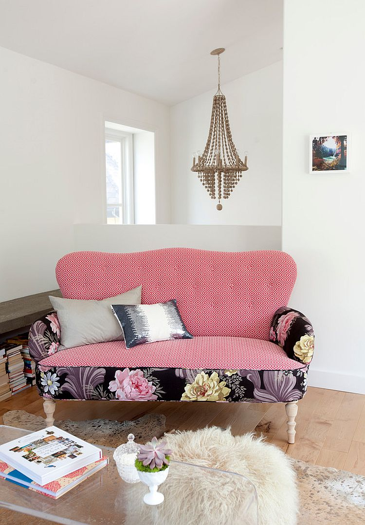 20 classy and cheerful pink living rooms. Black Bedroom Furniture Sets. Home Design Ideas