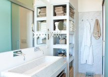 15 Exquisite Bathrooms That Make Use Of Open Storage