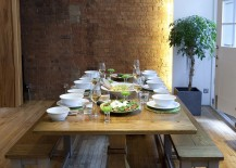 Simplicity-in-decorating-and-beautiful-lighting-set-the-mood-in-this-contemporary-dining-room-217x155