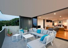 Sitting-lounge-attached-to-the-bedroom-offers-unabated-views-of-the-distant-coastline-217x155