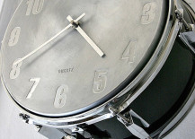 Snare drum wall clock 217x155 12 Creative Uses of Old Drums Throughout the Home