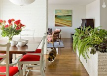 Tasteful use of planters to delineate space in the living area [Design: Jessica Helgerson Interior Design]