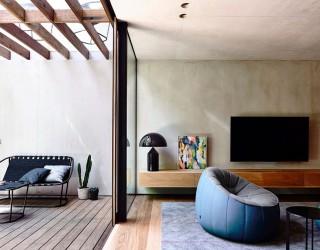 Light Wells and Garden Features Transform Urbane Aussie Home