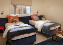 Twin beds on casters for the small kids' bedroom