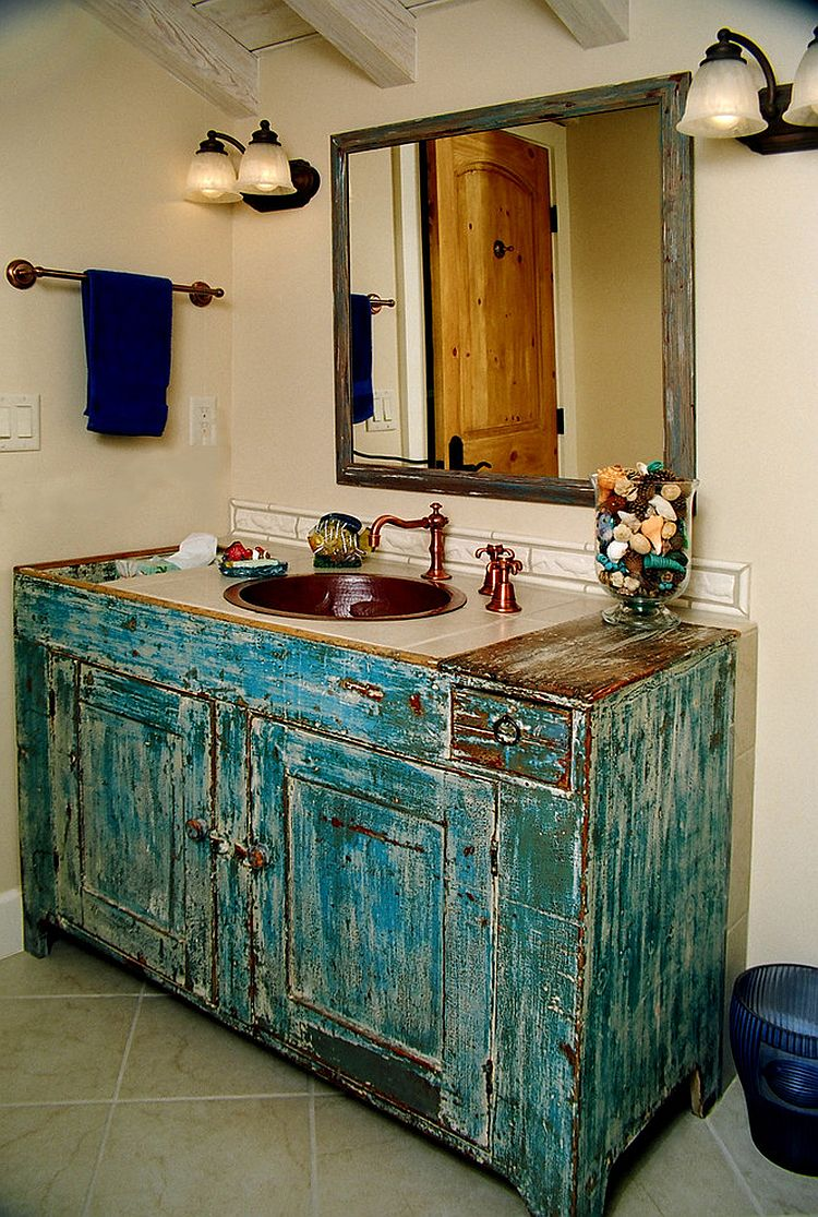 Vanity that epitomizes the beauty of shabby chic style [Design: Cypress Building Contractors]
