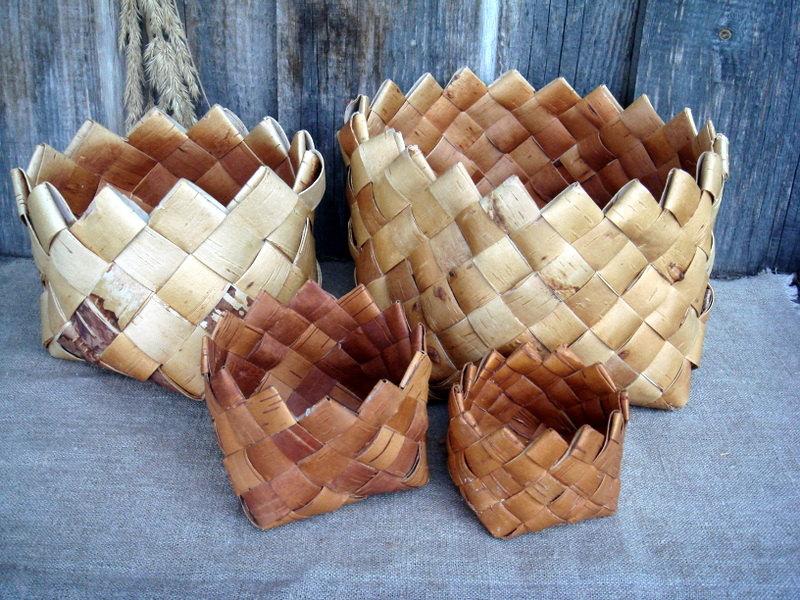 Vintage woven birch bark baskets from Etsy shop Vintage Butik Gita