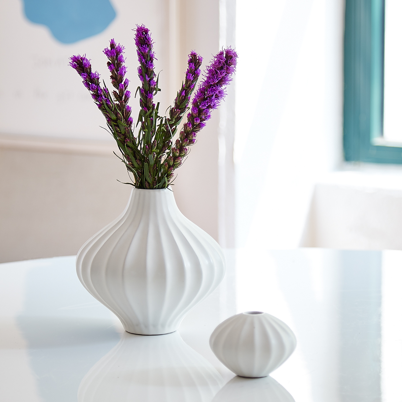 White ceramic vases from Jonathan Adler