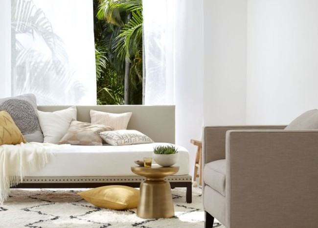 Breezy Design: Light and Airy Interiors with Modern Style