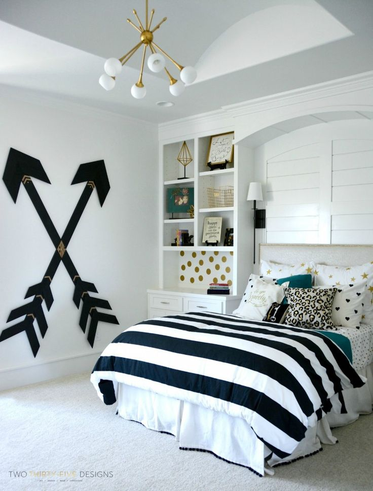 Wooden wall arrows for a teen's bedroom