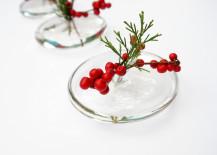 sleek-holiday-centerpiece-217x155