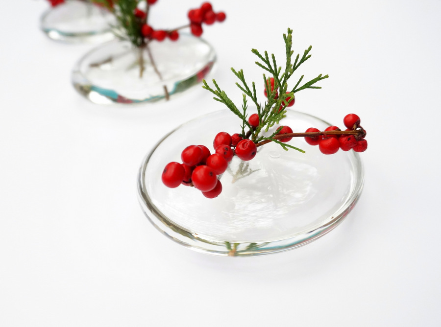 sleek holiday centerpiece