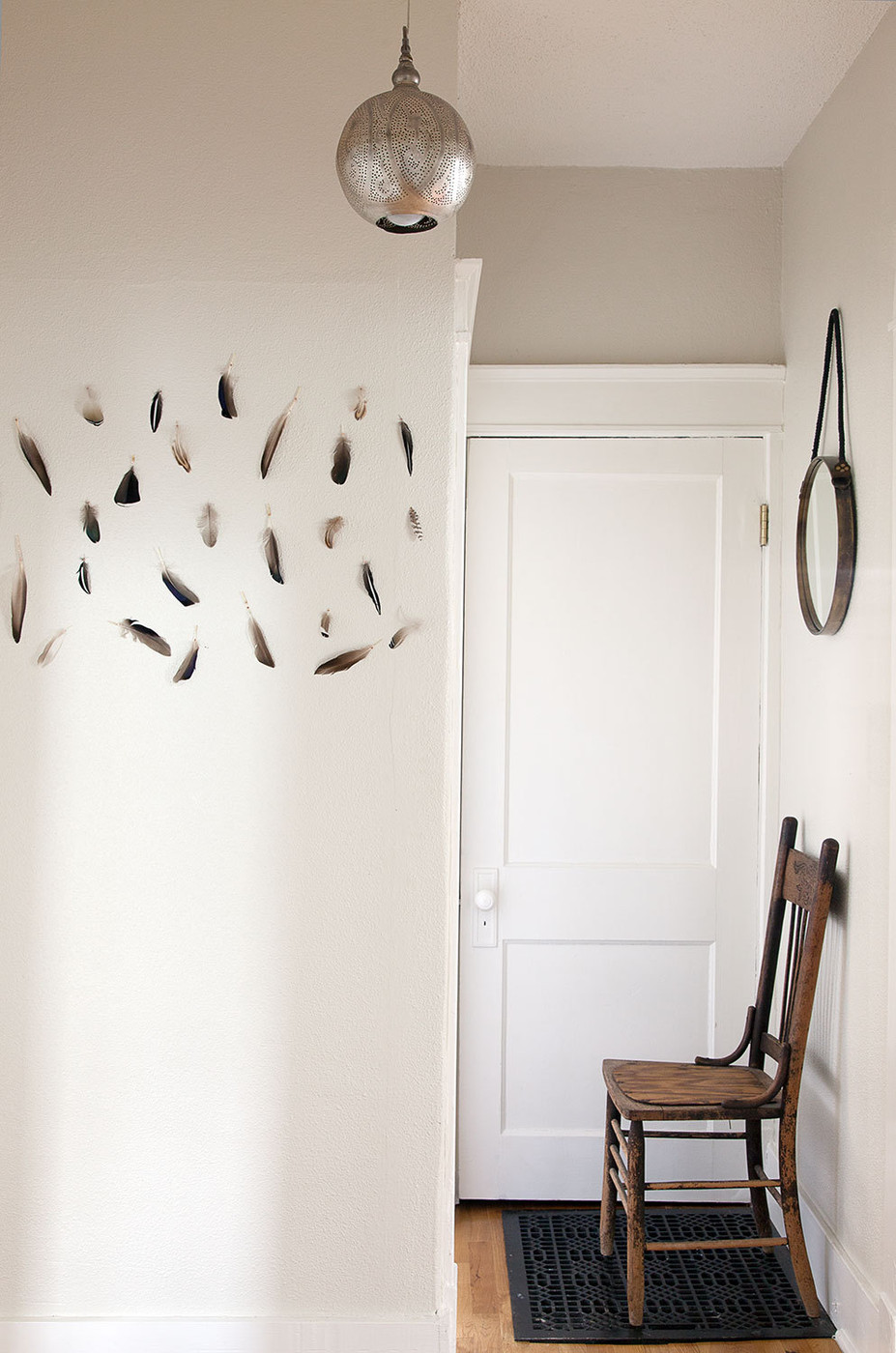 A simple yet stylish entryway