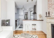 Beautiful-New-York-City-apartment-with-a-monochromatic-color-scheme-217x155