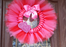 Bright pink and red tulle wreath for Valentines Day  217x155 15 Striking Wreath Ideas for Valentines Day
