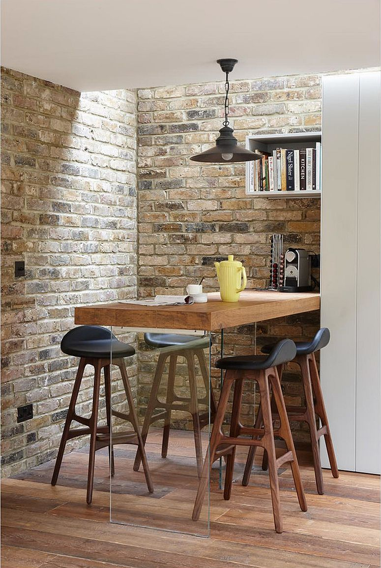 Corner dining space make smart use of the available room