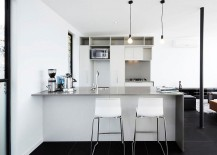 Ergonomic modern kitchen in white and gray