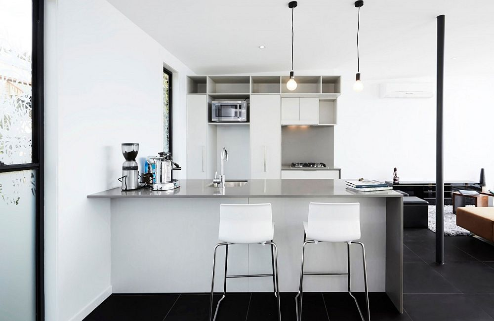 Ergonomic modern kitchen in white and gray