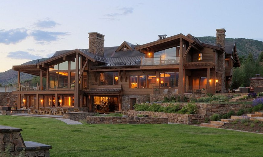 Wheeler Residence: Expansive Retreat with a Flair for the Dramatic!