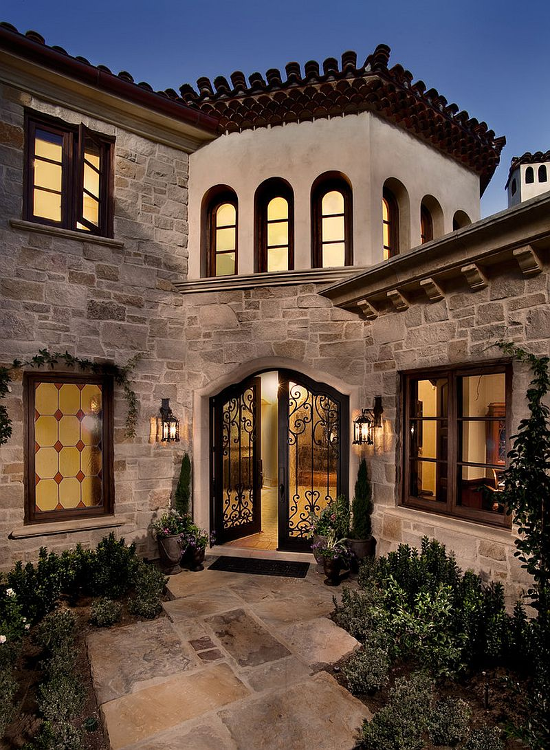 Exterior sets the tone for a fabulous interior [Design: Steigerwald-Dougherty]