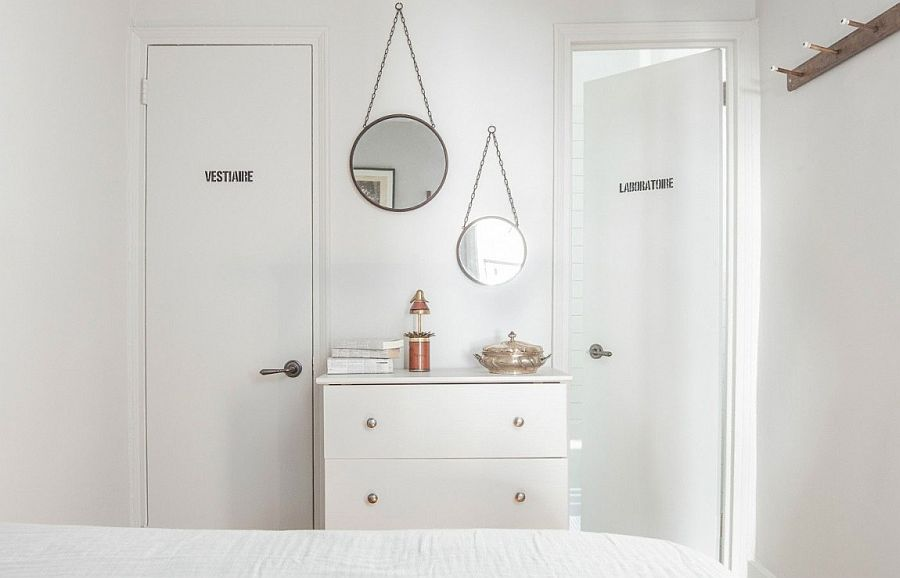 Fun way to display mirrors in the bedroom